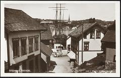 Postkort fra Agder (Avtrykket) Tags: bark bolighus hus postkort seilskute vei arendal austagder norway nor