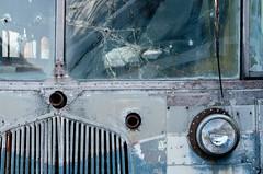 (jtr27) Tags: dscf3776xl jtr27 fuji fujifilm fujinon xt20 xf50mm f2 f20 rwr wr old truck broken glass maine