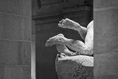 Love or hate ? (Guillaume DELEBARRE) Tags: feet canon 5dmarkiv 5d4 5div museum statue pieds corpsàcorps nudité masterpiece art noiretblanc monochrome bw blackandwhite nb laproie sculpture peynod emileedmondpeynot