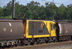 Another middy (Aussie foamer) Tags: 3726 3700class 3215 3200class ugl goninan qr queenslandrail qrn queenslandnational qrnational aurizon coaltrain yukan queensland train railway locomotive rpauqld3700class rpauqld3700class3726