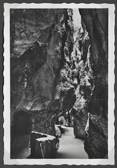 Peter833 Partnachklamm Garmisch, 1930-1950 (Hans-Michael Tappen) Tags: archivhansmichaeltappen albumb peterhuber 19301950 parnachklammgarmisch gebirge wasser bergwelt natur