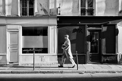 Mister (Stephane C_2) Tags: paris street streetphotography blackandwhite noiretblanc candid people contrast unposed