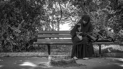 Woman in Nice, France 26/9 2014. (photoola) Tags: nice street bänk sv bench blackandwhite monochrome photoola france