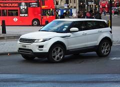 Range Rover Evoque (Meechu Body Kits) Tags: london uk kenjonbro fujihs10 trafalgarsquare rangeroverevoque 11rnn
