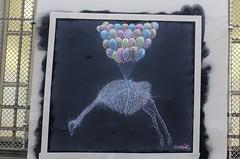Matt Thieu_9383 passage du Chantier Paris 12 (meuh1246) Tags: streetart paris passageduchantier paris12 mattthieu autruche ballon animaux oiseau