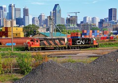 Please Stand for the Canadian National Anthem (BravoDelta1999) Tags: canadiannational cn cnr railroad grandtrunk gt gtr railway pointesaintcharles yard montreal quebec canada emd gp382 4707 gp9rm 7054