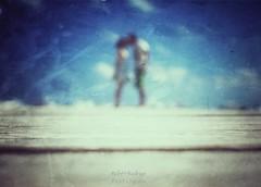 Let's go forward (Mister Blur) Tags: lets go forward happy new year 2019 blur desenfoque playadelcarmen rivieramaya couple inlove kiss muelle harbor playa beach snapseed nikon d7100 35mm rubén rodrigo fotografía resolutions propósitos