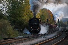2018-10-20; 0233. ZL ETB 44 1486-8  en SL IGE Werrabahn 52 1360-8 met GZ 404. Marksuhl. Plandampf im Werratal, Dampffinale. (Martin Geldermans; treinen, Züge, trains) Tags: etb 4414868 igewerrabahn 5213608 werratal plandampf plandampfimwerratal dampffinale dampf dampflok dampfzüge deutschereichsbahn dr stoomtrein stoom steamlocomotive steamtrain stoomlocomotief heritagerailway heritagetrain heritagelocomotive museumspoor museumlijn museumeisenbahn museumlocomotief trein train zug goederentrein goodstrain güterzuge marksuhl