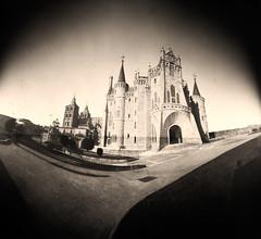 Palacio de Gaudí estenopeico, Astorga (robertrutxu) Tags: pinhole estenopo estenopeica lensless ilford epsonv370 papera stenope developed revelado scanner astorga palacio gaudí largaexposición longexposure papernegative negativodepapel alternativeprocesses procesosalternativos rcpaper homemadecamera