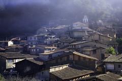 Robledillo de Gata (H.M.MURDOCK) Tags: cáceres pueblos casas paisajes humo nikon d610