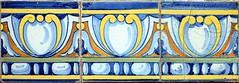 Barcelona - Pedró de la Creu 049 c (Arnim Schulz) Tags: modernisme barcelona artnouveau stilefloreale jugendstil cataluña catalunya catalonia katalonien arquitectura architecture architektur spanien spain espagne españa espanya belleepoque art kunst arte modernismo building gebäude edificio bâtiment faïence carreau glazed tile baldosa azulejos kacheln mosaïque mosaic mosaik mosaico baukunst tiles gaudí pattern deco liberty textur texture muster textura decoración dekoration deko ornament ornamento