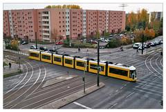 analog - EOS 300X / EF 40/2.8 - Fujicolor C 200 (tom-schulz) Tags: eos300x ef4028 fuji200 film 35mm analog rahmen frame berlin thomasschulz strase schienen tram strasenbahn häuserblock fujicolor c200