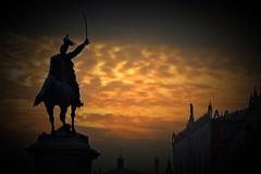 incito (nograz) Tags: statua bronzo vittorioemanueleii ettoreferrari tramonto sunset venezia palazzoducale nikon nograz d750