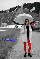 Vor dem Winter in GAP, 12/18. (IchWillMehrPortale) Tags: garmisch partenkirchen olympia winterspiele ski schnee skifahren skiwm kandahar skistadion 4schanzentournee neujahrsskispringen buffalo lackleggings leggings latexleggings regenschirm winter gap lena lenaa lenaadler fusgängerzone zugspitze alpspitze wank bayern shiny skinny sexy