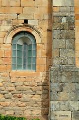 IMG_1911 (Guadasan2010) Tags: castilla palencia románico iglesia ventana arco