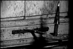 Fercé sur Sarthe (Sarthe) (gondardphilippe) Tags: fercésursarthe sarthe maine paysdelaloire noiretblanc noir nb blanc blackandwhite bw black white bâtiment campagne église eglise graphique monochrome ombre patrimoine quiet rural texture vieux zen