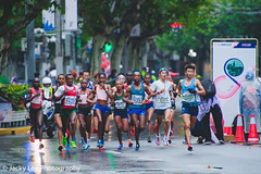 LD4_8805 (晴雨初霽) Tags: shanghai marathon race run sports photography photo nikon d4s dslr camera lens people china weekend november 2018 thousands city downtown town road street daytime rain staff