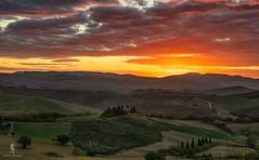 Before Sunrise - Tuscany (Achim Thomae Photography) Tags: 2018 italien tuscany achimthomae valdorcia herbst landschaft toskana