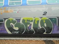 206 (en-ri) Tags: gelo crew lupo bianco arrow verde giallo viola train torino graffiti writing