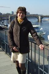Dresden (Marie-Christine.TV) Tags: feminine lady mariechristine skirt coat gloves elegant dame rock handschuhe leder