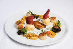 PAN FRIED SCALLOPS AND GRILLED APPLEWOOD SMOKED BACON