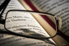Lesen (E.Wengel) Tags: canonr 100mm macro innen lesen brille buch macromonday hobby macromondayshobby