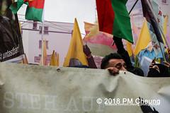 Demonstration: Der Wunsch nach Freiheit lässt sich nicht verbieten! – 01.12.2018 – Berlin - IMG_9986 (PM Cheung) Tags: 25jahrepkkverbot ypg kurden polizei polizeigesetze berlin derwunschnachfreiheitlässtsichnichtverbieten derwunschnachfreiheitlässtsichnichtverbietengemeinsamgegenpolizeigesetze pkkverbotundnationalismus bundesweitedemonstration interventionistischelinke kurdistan rojava türkei 01122018 demonstration demo pag polizeiaufgabengesetz kurdendemonstration pmcheung protest repression überwachung bundesinnenministerhorstseehofer kundgebung 2018 protestfotografie pomengcheung mengcheungpo auftaktkundgebung wwwpmcheungcom aufhebungpkkverbot afd facebookcompmcheungphotography polizeistaat arbeiterparteikurdistans protestveranstaltung rotehilfeev partiyakarkerênkurdistanê ernk bundesinnenministerrudolfseiters auseinandersetzungen rangeleien diepkkgehörtzudeutschland serihilde