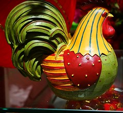 Year of auspicious rooster ornament (kat_chin_2000) Tags: samsungnx300m samsungcameras chicken auspiciousanimals yearofchicken roosters 2017 ornaments sculptures woodcarvings colorfulbirds birds feathers roostercogburn