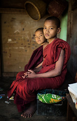 Myanmar  - Salay (mokyphotography) Tags: myanmar canon monaci monks monaco monastero monastery reportage religion religione bambini boys people portrait persone picture portraits travel ritratto ritratti salay