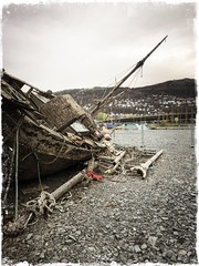The wreck (erlingsi) Tags: hipstamatic jane kodotxgrizzled bergen wreck vrak båt