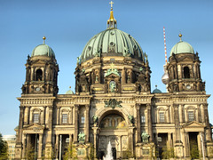 Berliner Dom (chrisdingsdale) Tags: berliner dom cathedral church berlin germany deutschland town architecture ancient old vintage retro landmark monument classical baroque religion faith europe german city centre center skyline panorama view building construction design statue sculpture style hdr high dynamic range colour color constrast