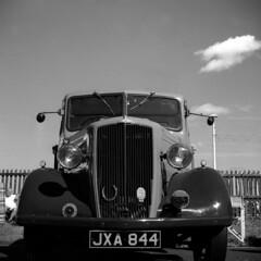 Morris Truck (MikeOB64) Tags: van truck morris vintage zeiss ikon nettax acros mono film 120 medium format 6x6 square