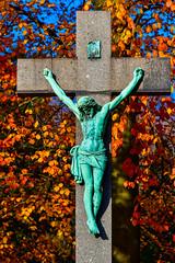 _KL53782 (hermelin52) Tags: deutschland nrw ruhrgebiet henrichenburg herbst indiensummer germany kreuz jesus religion religiösekunst kunst skulptur fiedhof