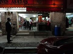 """En espera de la cena..."" (DSC_0633) (netogr) Tags: streetphotography street streetsofmexico calle guanajuato tacos comida gente picoftheday picttureoftheday xperia"
