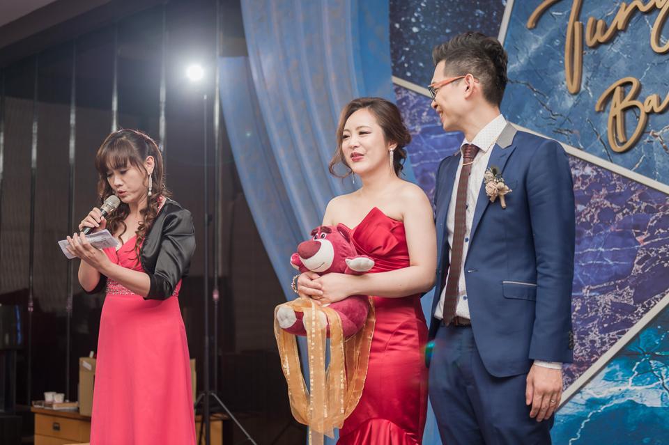 台南東東宴會式場 婚宴 走在幸福的紅毯上 R & B 141