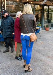 Ritsa and Réka (RobW_) Tags: ritsa réka back view budapest hungary amaviola danube 16nov2018 november 2018