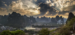 Li river bend. (Gregory Michiels Photography) Tags: moutain peak hill landscape karst yangshuo guangxi china travel explore discover dramatic clouds li lijiang river panorama village water curved heavenly
