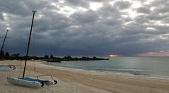Grand Lucaya (Luigi Rosa) Tags: bahamas grandbahama freeport caribbiean caraibi alba dawn sunrise mare sea ocean oceano mattino morning spiaggia beach cielo sky