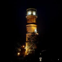 Alter Leuchtturm Travemünde bei Nacht (dl1ydn) Tags: dl1ydn leuchtturm travemünde denkmal seezeichen zeiss planar 50mmf14 manual manuell altglas lighthouse