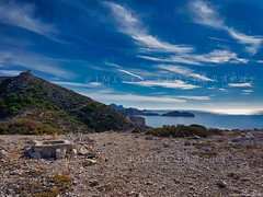 Fortin des Goudes à Marseille - Region Sud, France (jmlpyt) Tags: abrupt fort chateau caillou calanques ciel europe falaise france horizontal imageencouleur littoral marseille mer merméditerranée nature paradisiaque passion paysage paysages photographie port pêcherocher sanspersonnage provence alpes côtedazur montagne sud suddelafrance steep castle rock sky cliff colorimage coastline sea mediterraneansea idyllic landscape scenics photography harbor rockfishing nopeople alps cotedazur mountain south southoffrance provencealpescotedazur