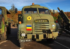 1963 British Army REME Bedford S-type recovery lorry - Brooklands Museum, Weybridge, England. (edk7) Tags: olympusomdem5 edk7 2017 uk england surrey weybridge brooklandsroad brooklandsmuseumtrustltd brooklandsmuseum brooklandsmilitaryvehiclesday2017 1963bedfordmilitaryrecoverylorryexbritisharmy xyj45a bigbedford mechanical machine automobile auto lorry truck classic vintage restored pavement bedford492litrepetrolinlinesix110hp towtruck royalelectricalmechanicalengineers reme aldershotdistrict