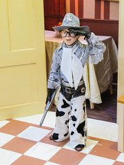 ralphie (timp37) Tags: statue red ryder bb gun indiana welcome center december 2018 christmas story
