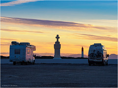 Campers at Pointe de Carro (Luc V. de Zeeuw) Tags: camper capcrown cross lighthouse mediterranean motorhome pharedecapcouronne rv sunrise martigues provencealpescôtedazur france