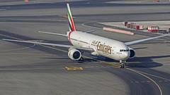 Emirates Boeing B777-300 A6-EMS Dubai (DXB/OMDB) (Aiel) Tags: emirates boeing b777 b777300 a6ems dubai canon60d tamron70300vc
