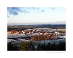 Winter in der Oberpfalz. (Michel le Blanc) Tags: schnee winter oberpfalz bayern bavaria abend abendhimmel abendstimmjng land dorf wald bäume neunburg vorm oberpfälzer olympus mju aussichtsturm wolke wolken acker äcker turm berge gebirgszug