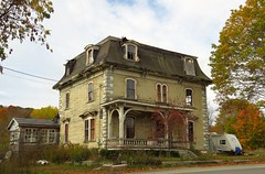 Franklin Treat House (Larry Myhre) Tags: abandoned house home franklintreat frankfort maine oncewashome