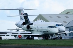D-BEKP (IndiaEcho) Tags: dbekp bombardier challenger 300 london biggin hill airport airfield bqh egbk bromley kent civil aircraft aeroplane aviation plane buisness jet biz canon eos 1000d