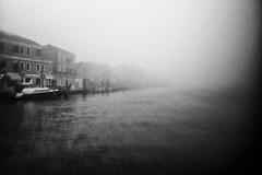3353 (Elke Kulhawy) Tags: venedig monochrome venice bw bnw blackandwhite fog nebel water wasser vaporetto art kunst lensbaby