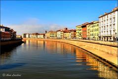Pise les bords de l'Arno (arno18☮) Tags: pise toscane italie arno eaux cièl contraste bleu rouge nikon
