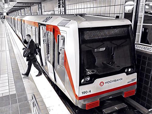 Hamburg meets Art - Underground Station Mümmelmannsberg
